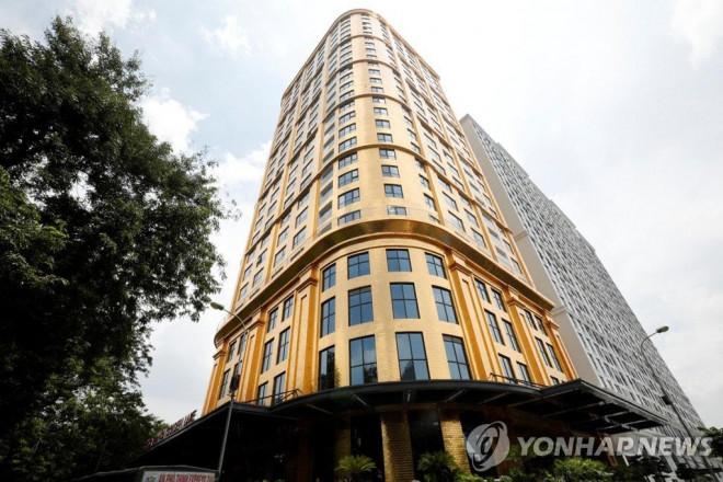 """Tiết lộ giá phòng tại khách sạn dát vàng đầu tiên ở Việt Nam của đại gia Đường """"bia"""" - 3"""