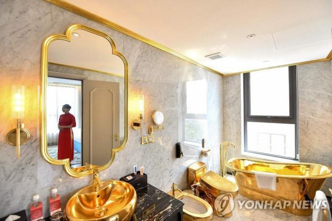 """Tiết lộ giá phòng tại khách sạn dát vàng đầu tiên ở Việt Nam của đại gia Đường """"bia"""" - 7"""